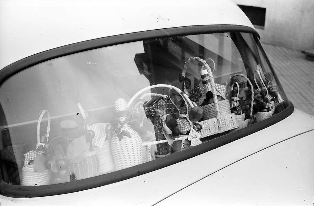 Gengenbach: Autorückwand eines Spirituosenvertreters, Bild 1