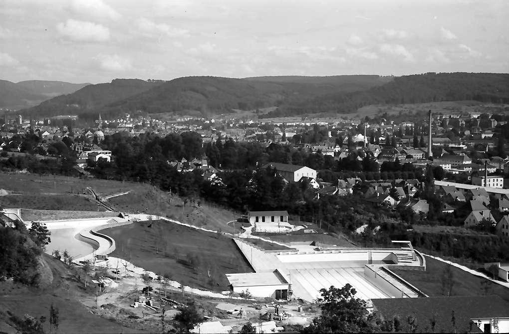 Lahr: Das neue Schwimmbad; vom Schutterlindenberg; von oben, Bild 1