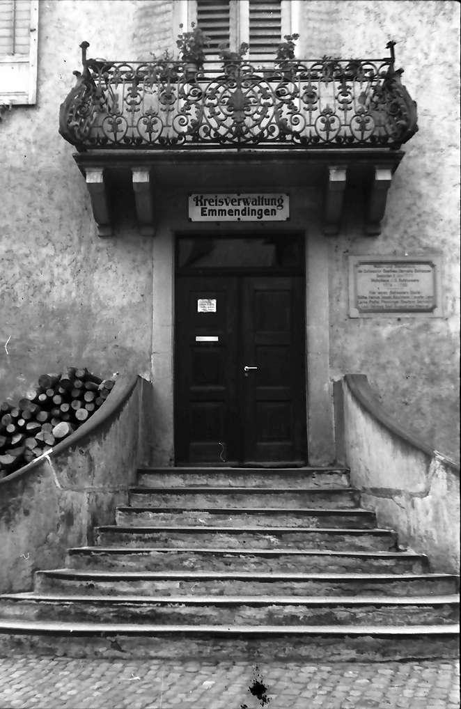Emmendingen: Haus der Kreisverwaltung; Aufgang, Bild 1