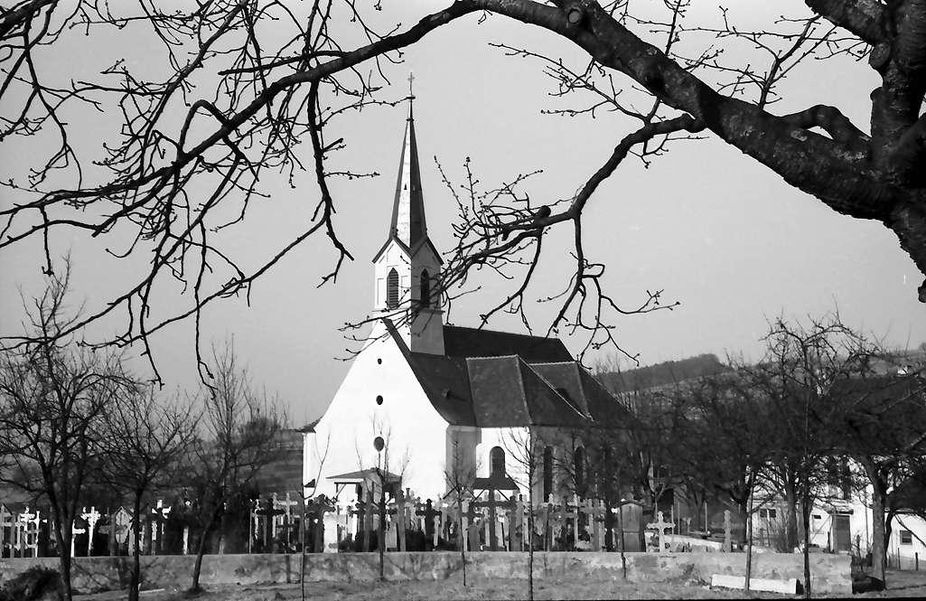 Nordweil: Kirche und Friedhof, Bild 1