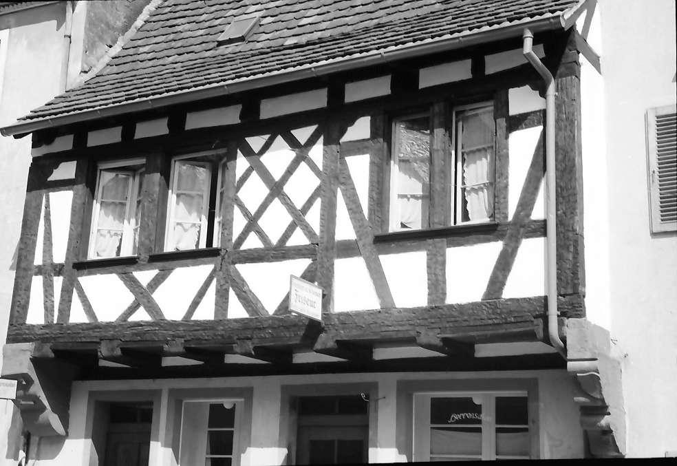 Kenzingen: Fachwerkhaus mit Frisörschild, Bild 1