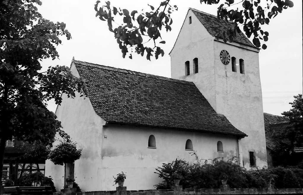 Freistett: Heidenkirchel; Außenansicht mit Fachwerkhaus, Bild 1