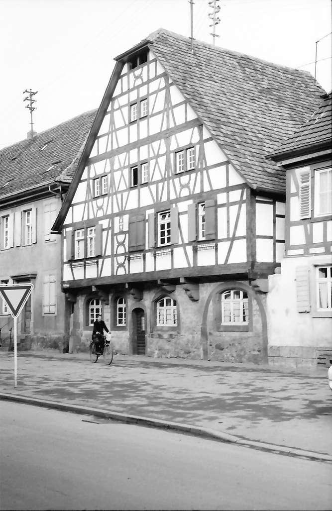Kippenheim: Altes Fachwerkhaus, Bild 1