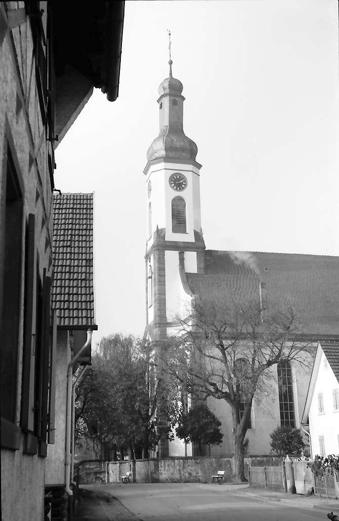 Meißenheim: Außenansicht (frontal) der Kirche; seitlich, Bild 1