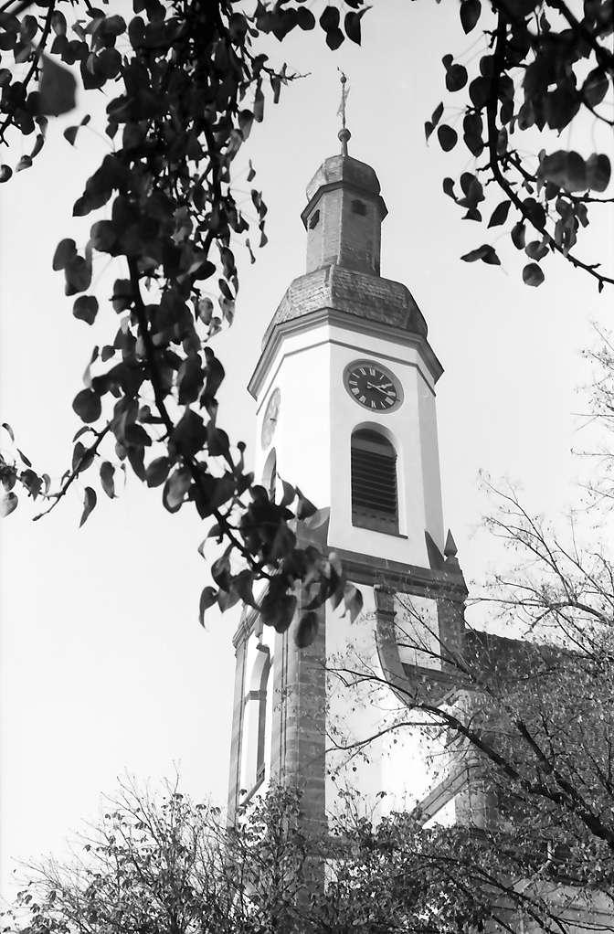 Meißenheim: Kirchturm von unten, Bild 1