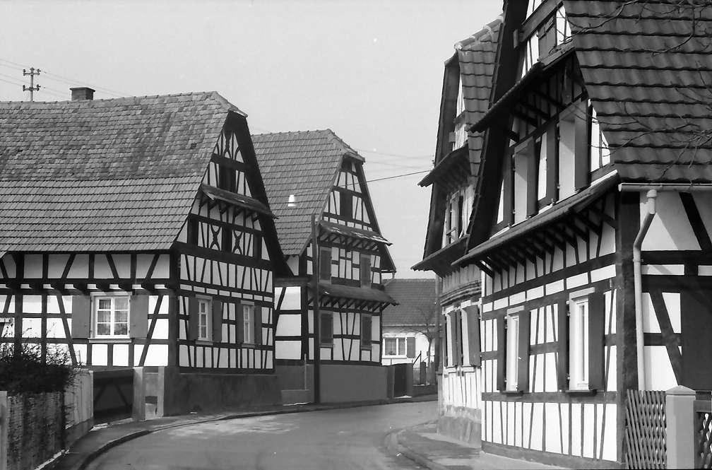Freistett: Straße mit Fachwerkhäusern, Bild 1