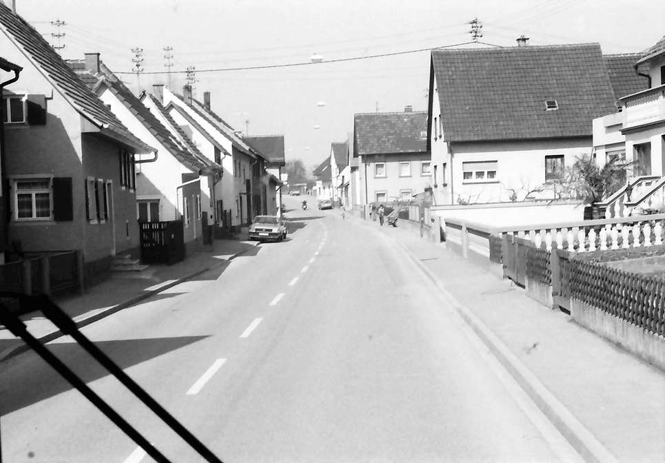 Rust: Ortsdurchfahrten (vom Bus), Bild 1