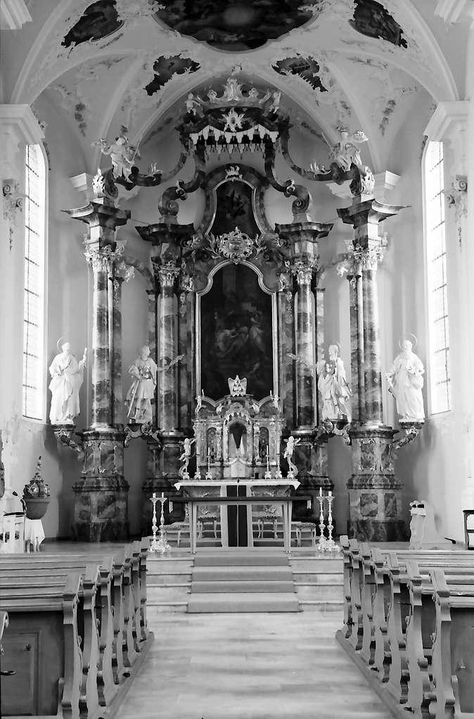 Herbolzheim: Renovierte Pfarrkirche; Innenraum; Altar, Bild 1