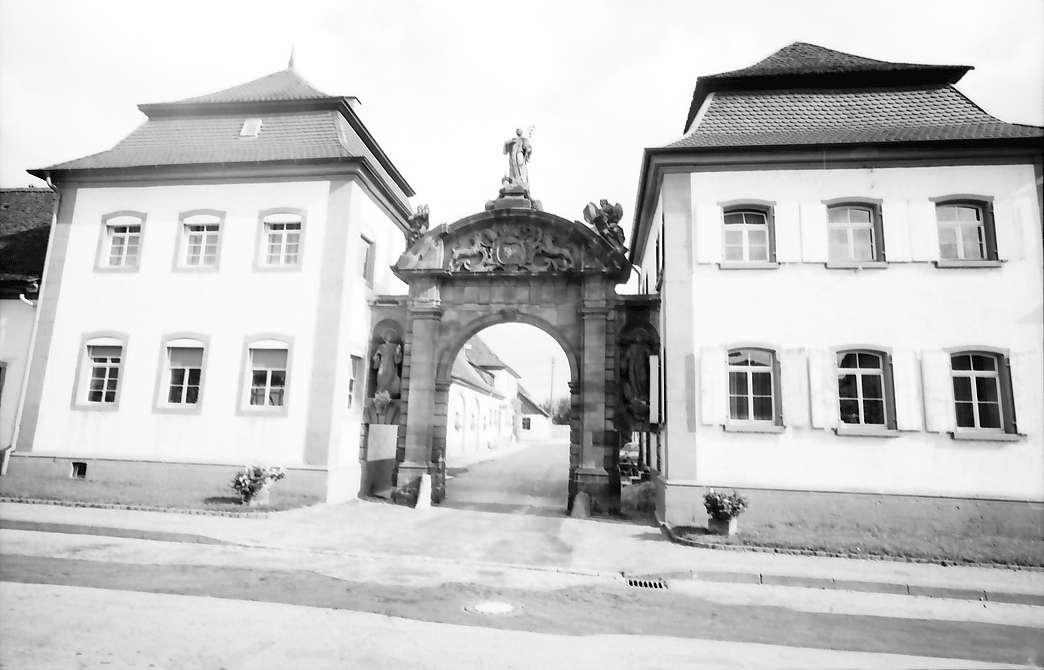 Schwarzach: Klosterbautor, Bild 1