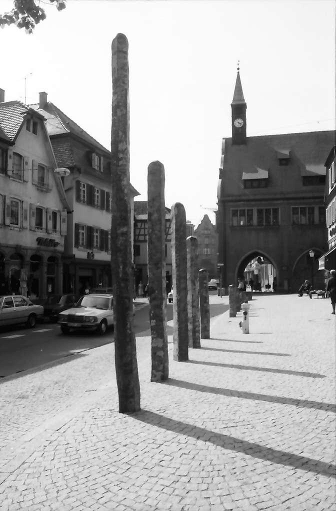 Lahr: Bildhauersymposium; Stangen am alten Rathaus, Bild 1