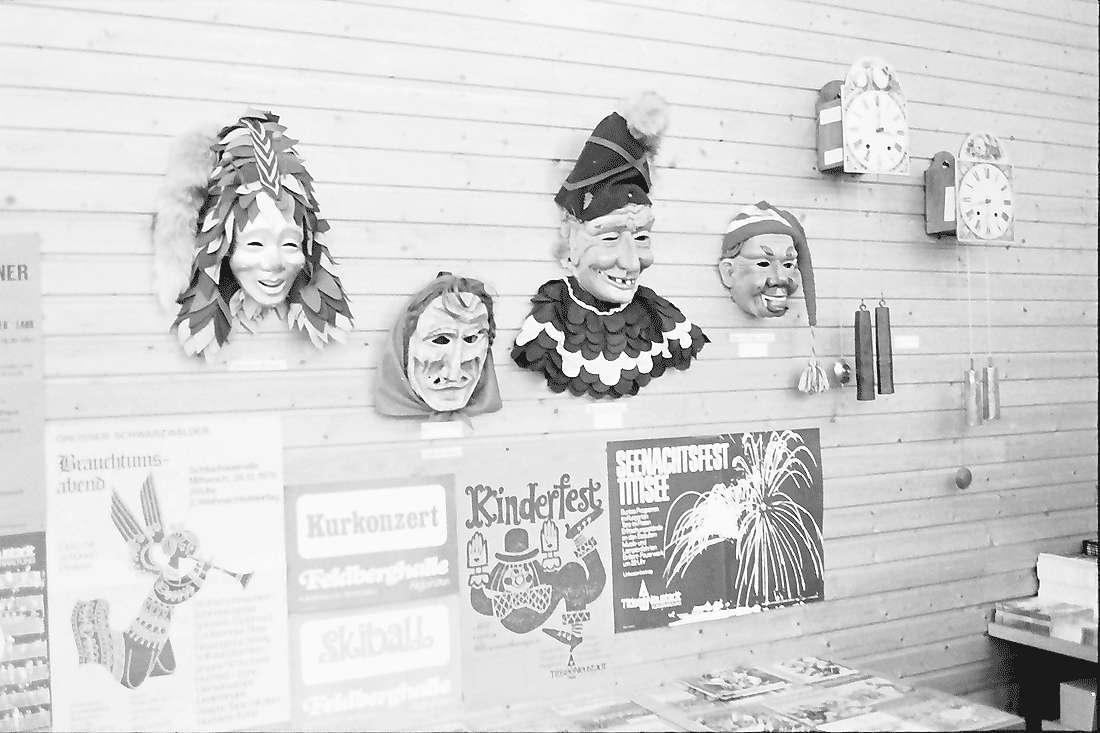 Hinterzarten: Kurhaus; Ausstellung, Masken, Bild 2