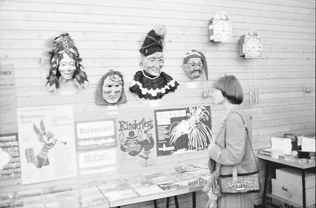 Hinterzarten: Kurhaus; Ausstellung, Masken, Bild 1