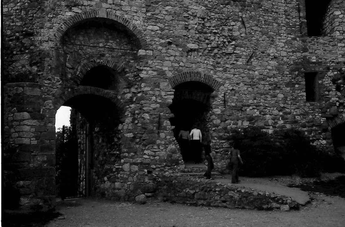 Staufen: Staufener Burg; Eingangstor Innenseite, Bild 1