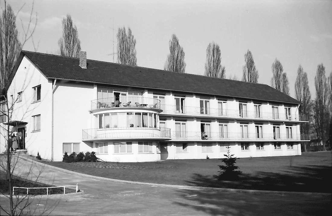 Bad Krozingen: Sanatorium Dr. Basler; Ansicht von Süden, Bild 1