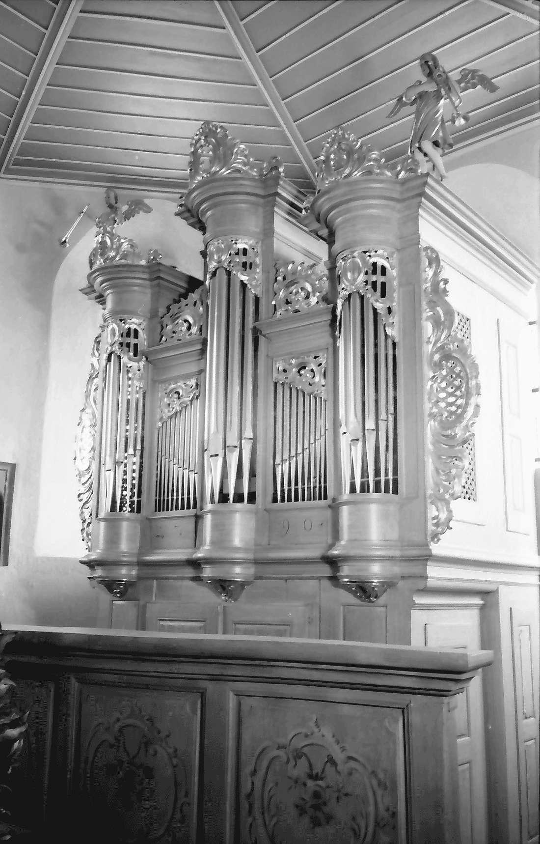 Betberg: Evangelische Kirche nach der Renovierung; Orgel (Schüler Silbermanns), Bild 2