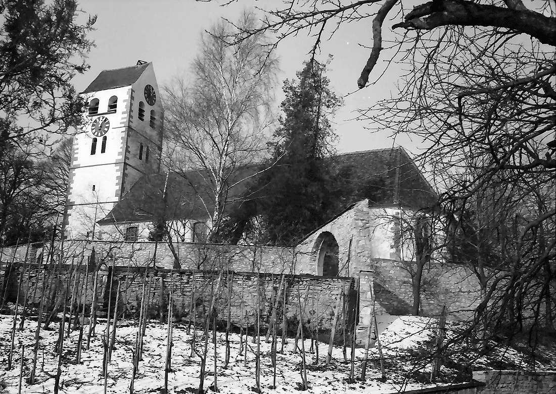 Betberg: Evangelische Kirche nach der Renovierung; Gesamtansicht von Südosten, Bild 2