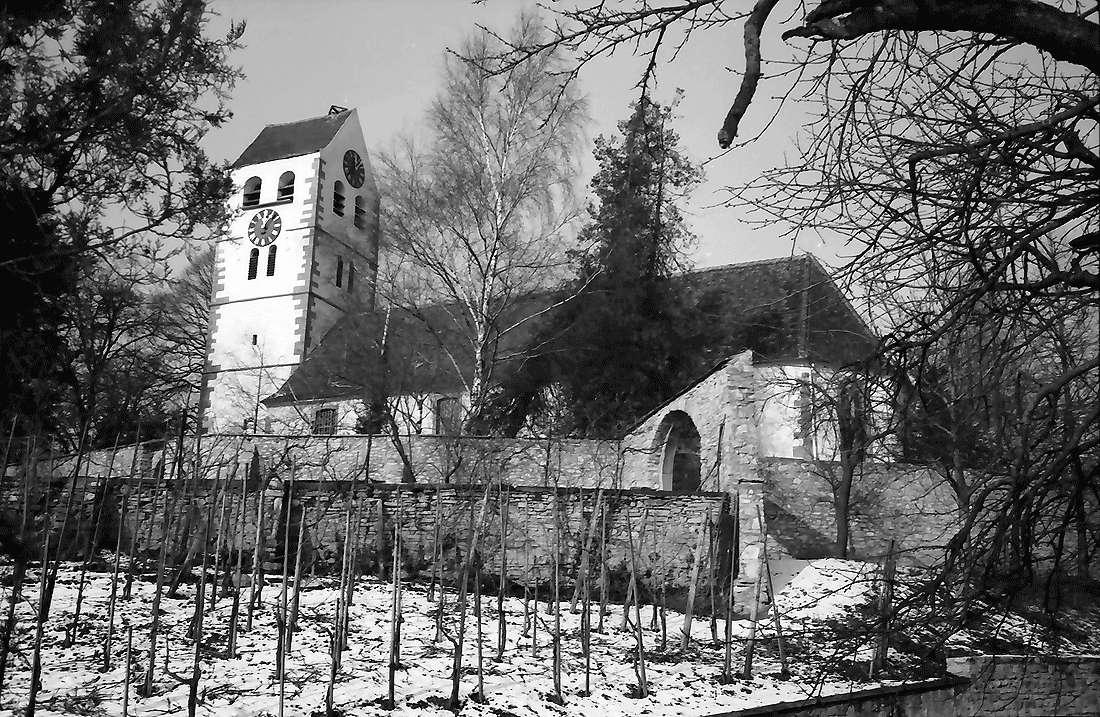 Betberg: Evangelische Kirche nach der Renovierung; Gesamtansicht von Südosten, Bild 1