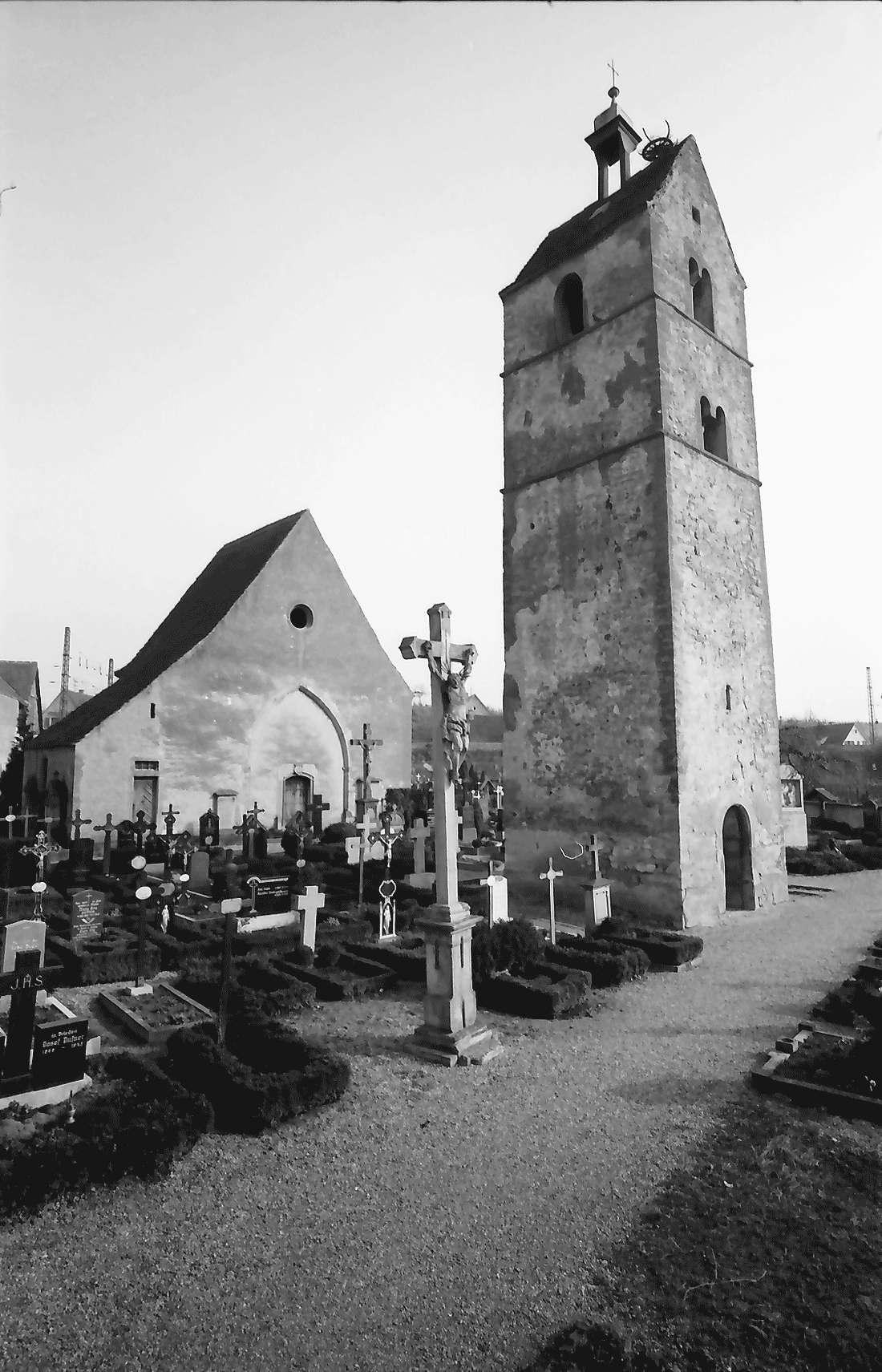 Eschbach: Ehemalige Pfarrkirche; von Westen, Bild 1