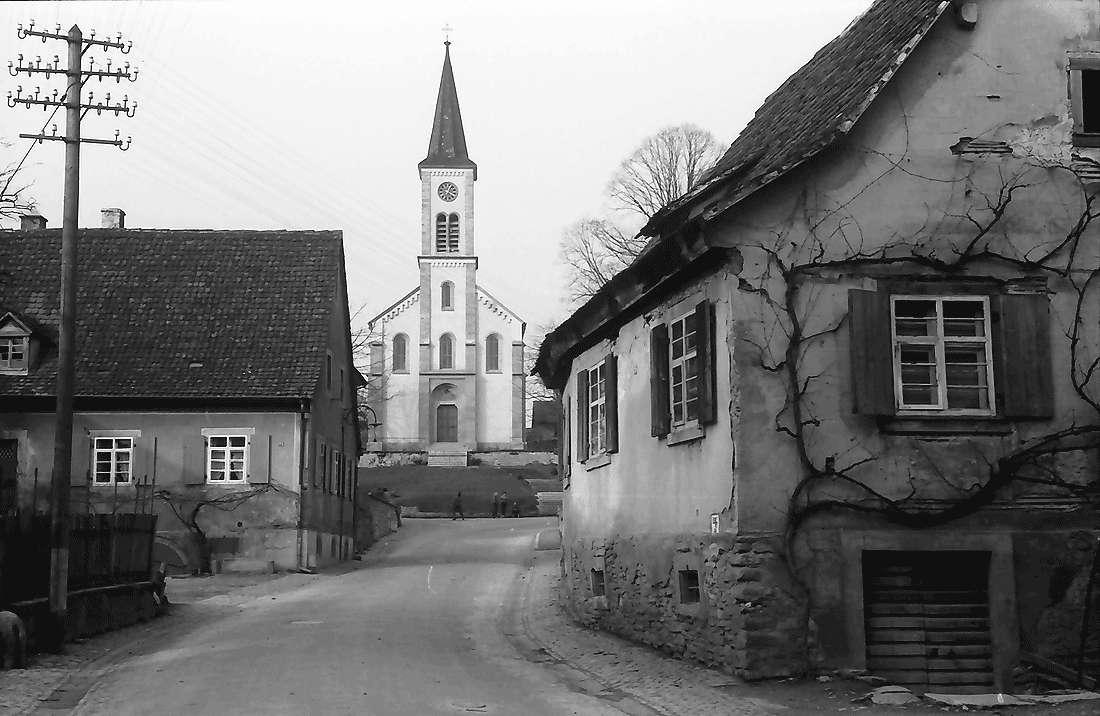 Laufen: Kirche, Bild 1