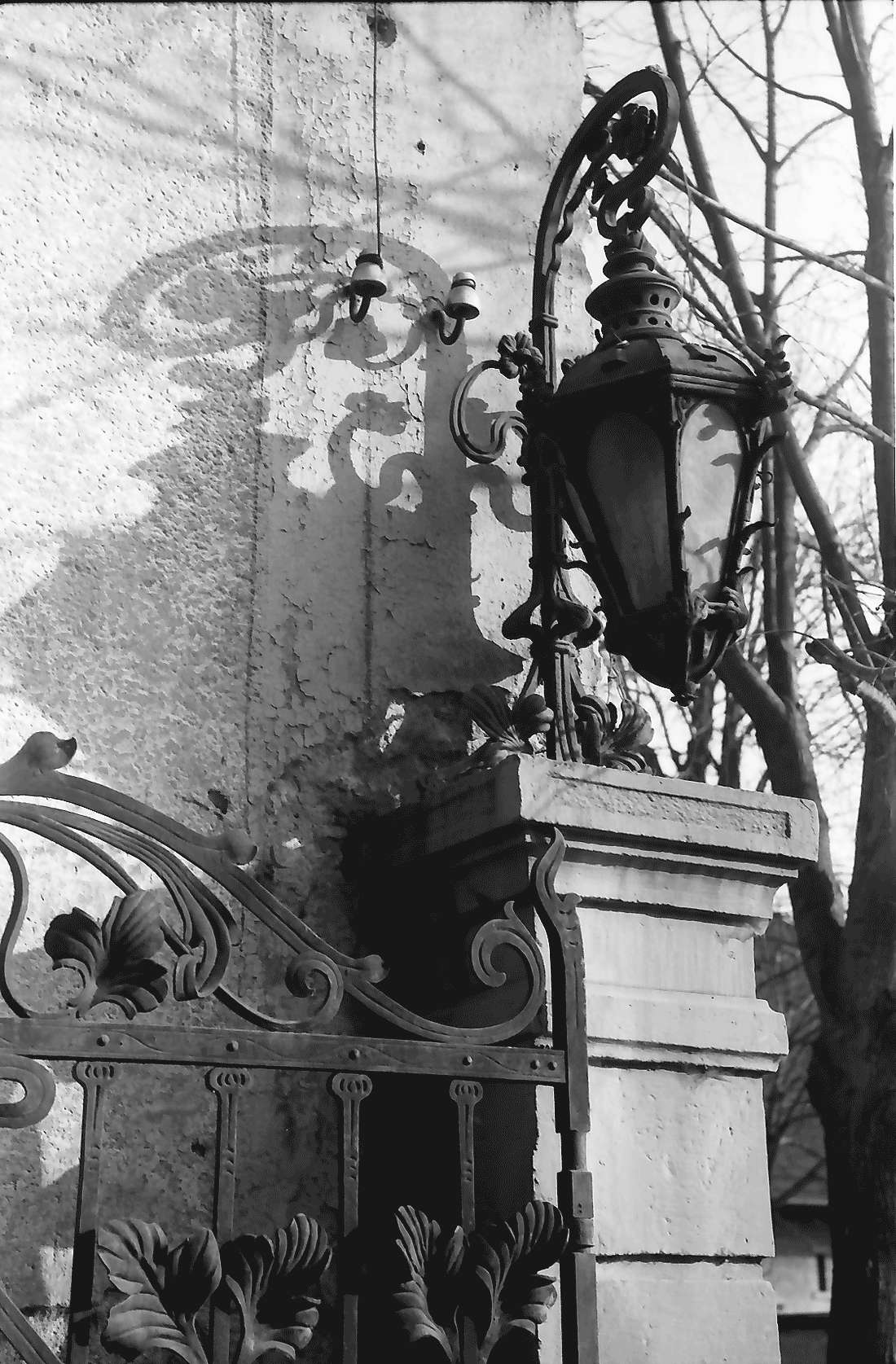 Feldkirch: Alte Laterne am Eingang, Bild 1