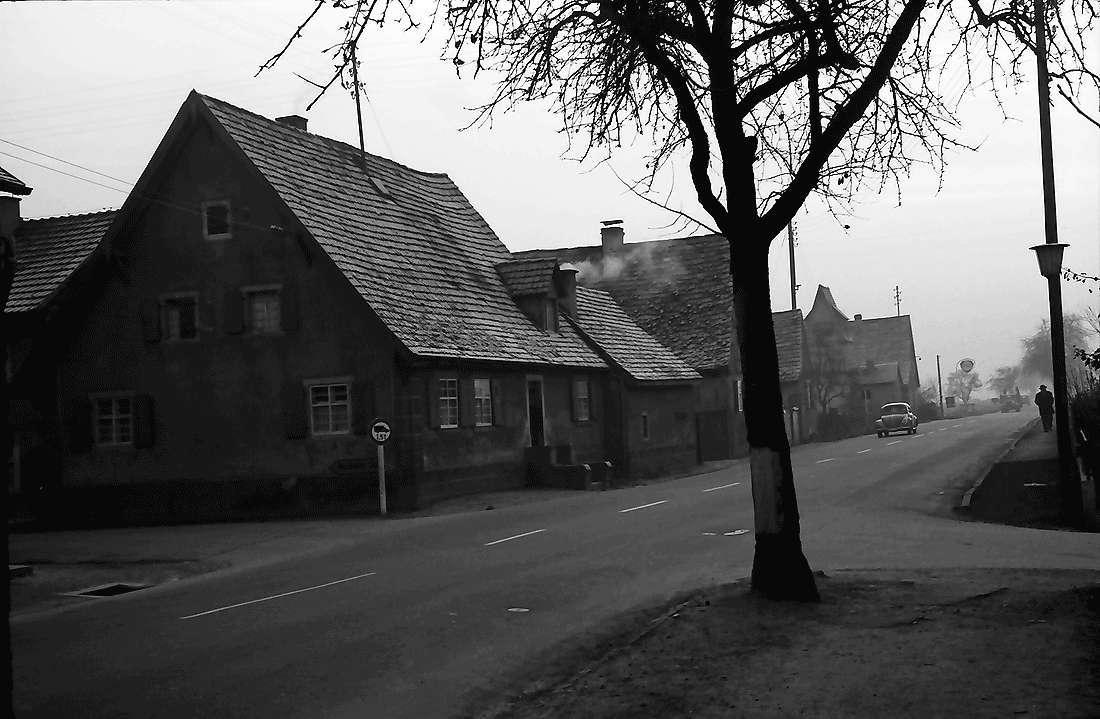Norsingen: Dorfstraße am Ende des Dorfes, Bild 1