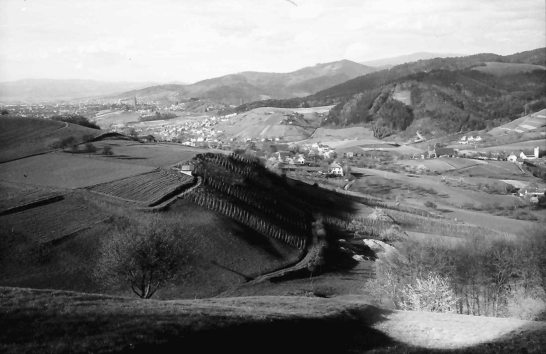 Wittnau: Hexental vom Hang des Schönbergs, Bild 1