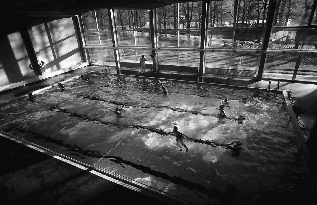 Staufen: Haus Münstertal; Hallenschwimmbad; von oben, Bild 1