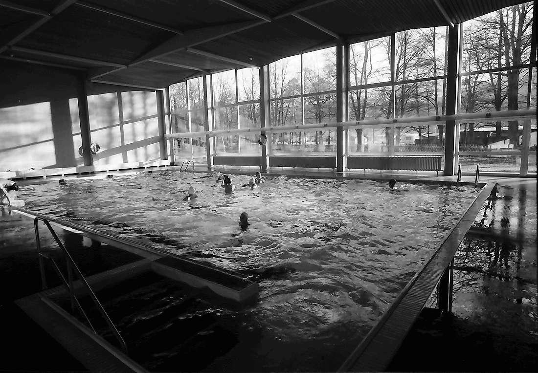 Staufen: Haus Münstertal; Hallenschwimmbad; von unten, Bild 1