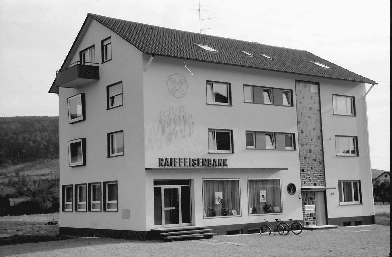 Freiburg; St. Georgen: Neubau Raiffeisenbank, Bild 1