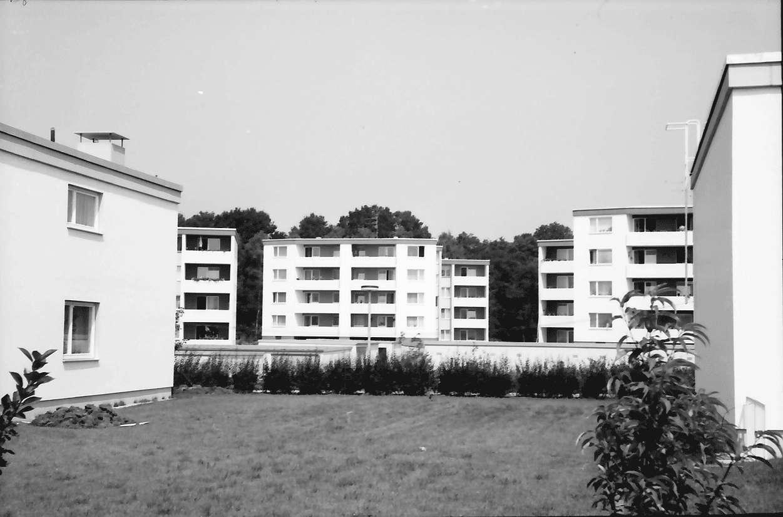 Freiburg; Landwasser: Wohnbauten der GSG am Spechtweg; Einfamilienhäuser, Bild 1