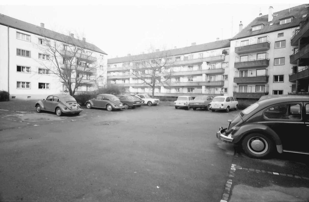 Freiburg; Stühlinger: Wohnhäuser des Bauvereins; Hof im Block; Hugstetter Straße - Barbarastraße - Lutherkirchstraße, Bild 1