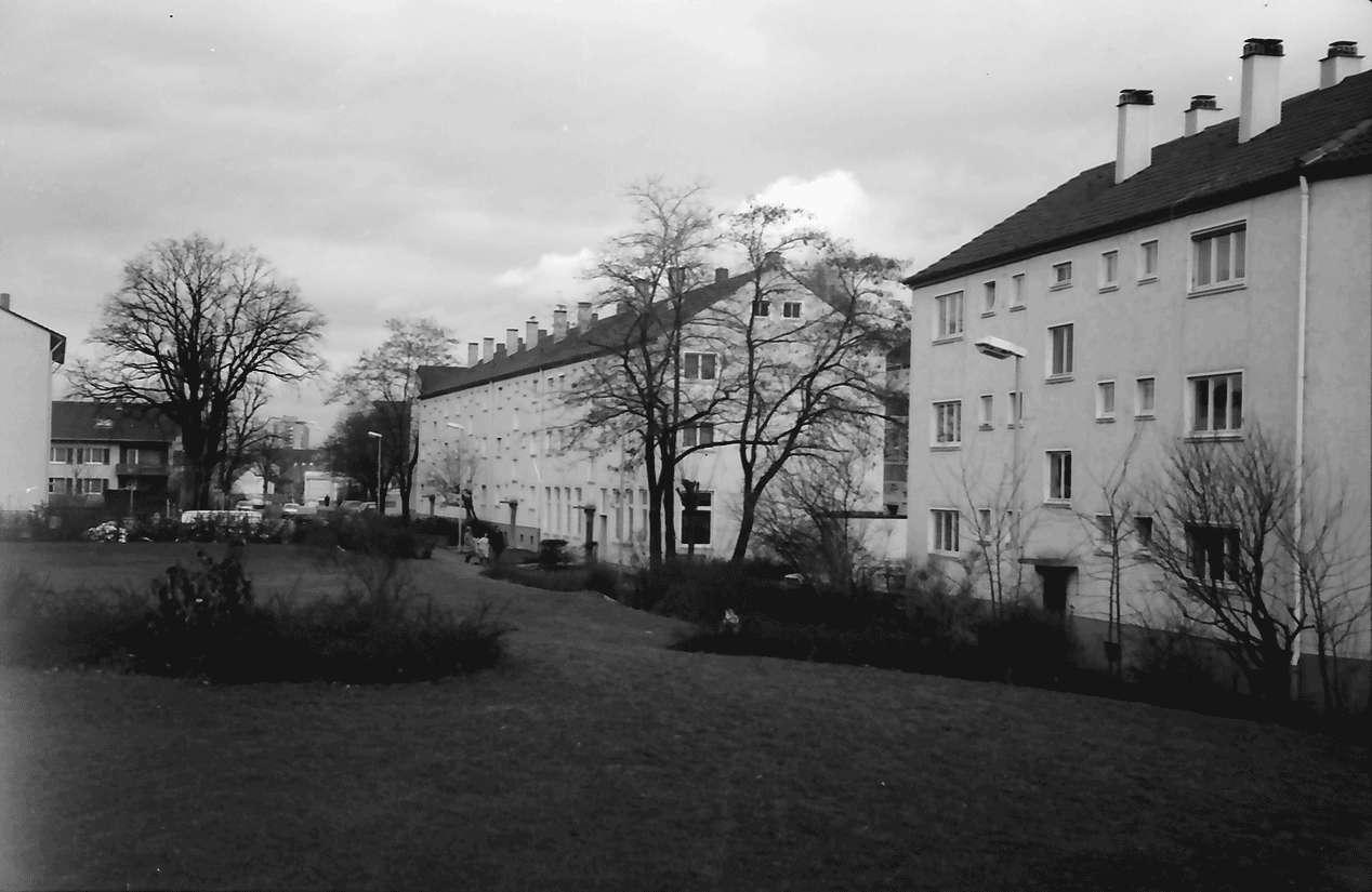 Freiburg; Haslach: Luckenbachweg; Richtung Norden, Bild 1