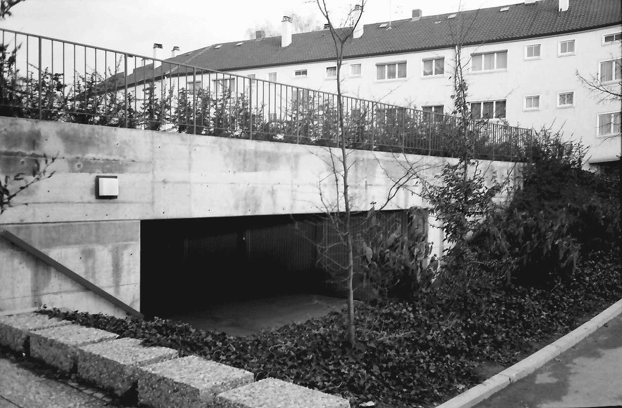 Freiburg; Haslach: Unterirdische Garage; Luckenbachweg, Bild 1