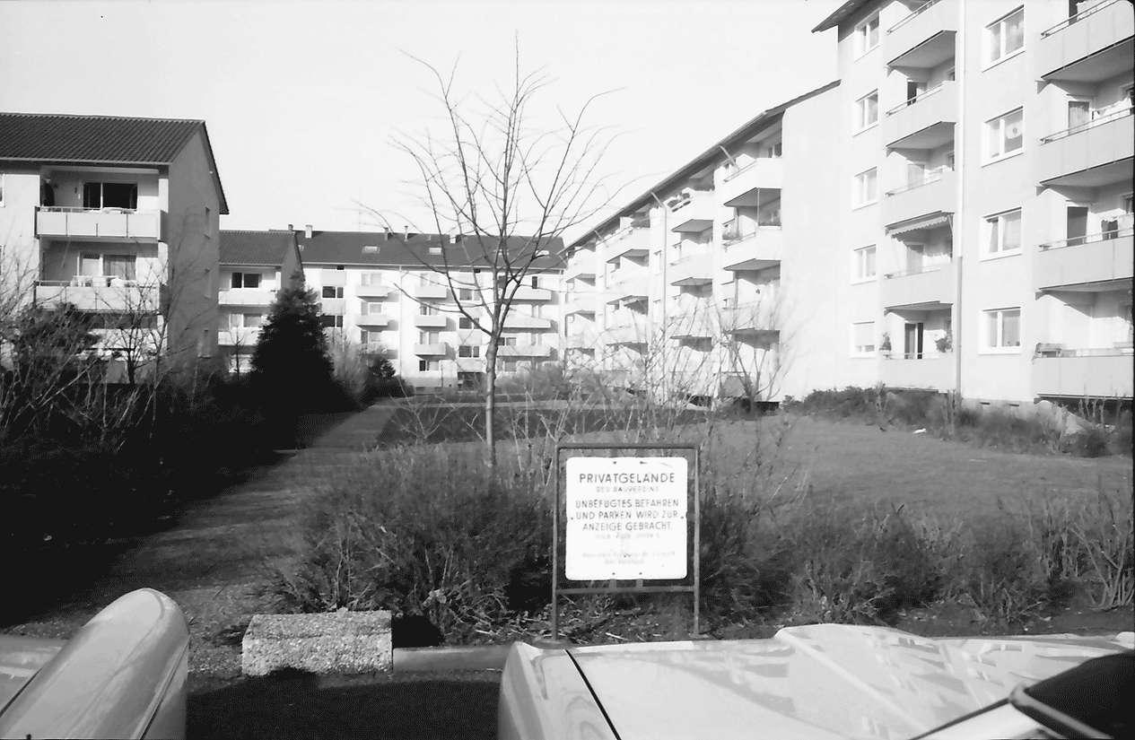 Freiburg; Haslach: Wohnhof; Stürtzelstraße, Bild 1