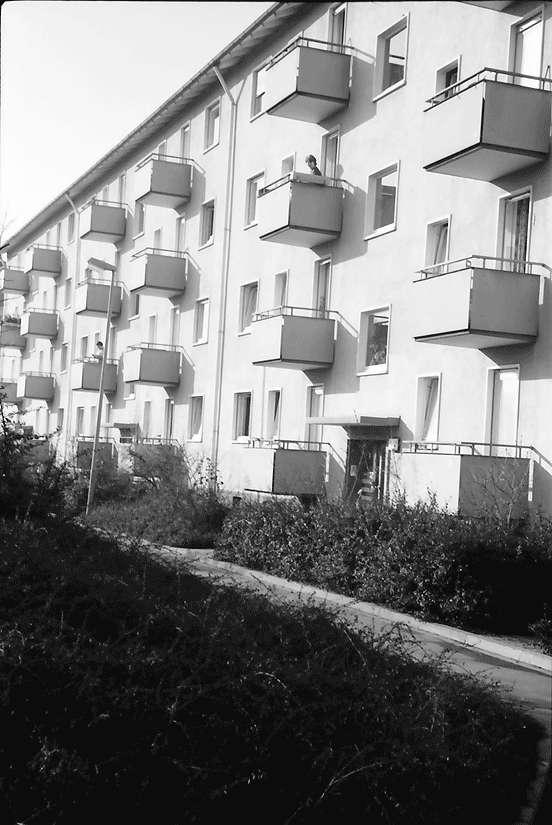 Freiburg; Haslach: Balkonfront; Luckenbachweg, Bild 1