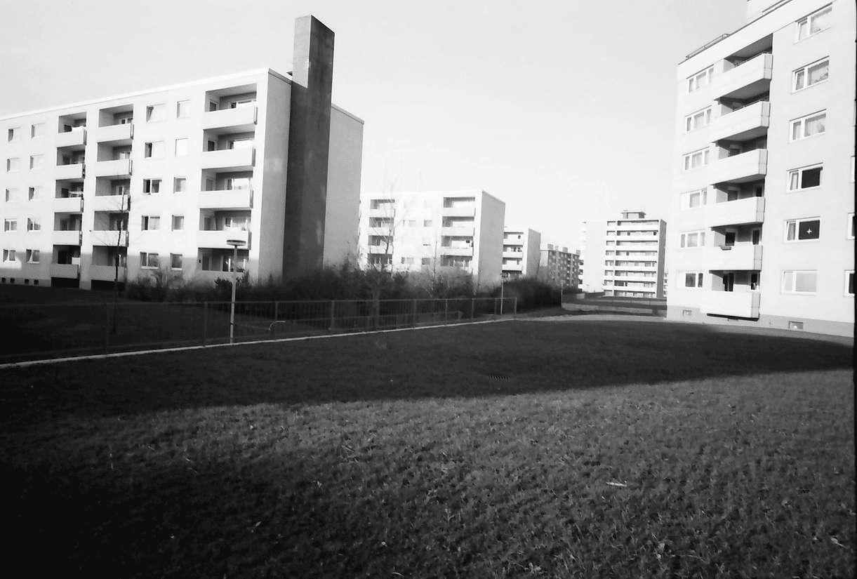 Freiburg; [Betzenhausen-]Bischofslinde: Wohnblock Wilmersdorfer Straße, Bild 1