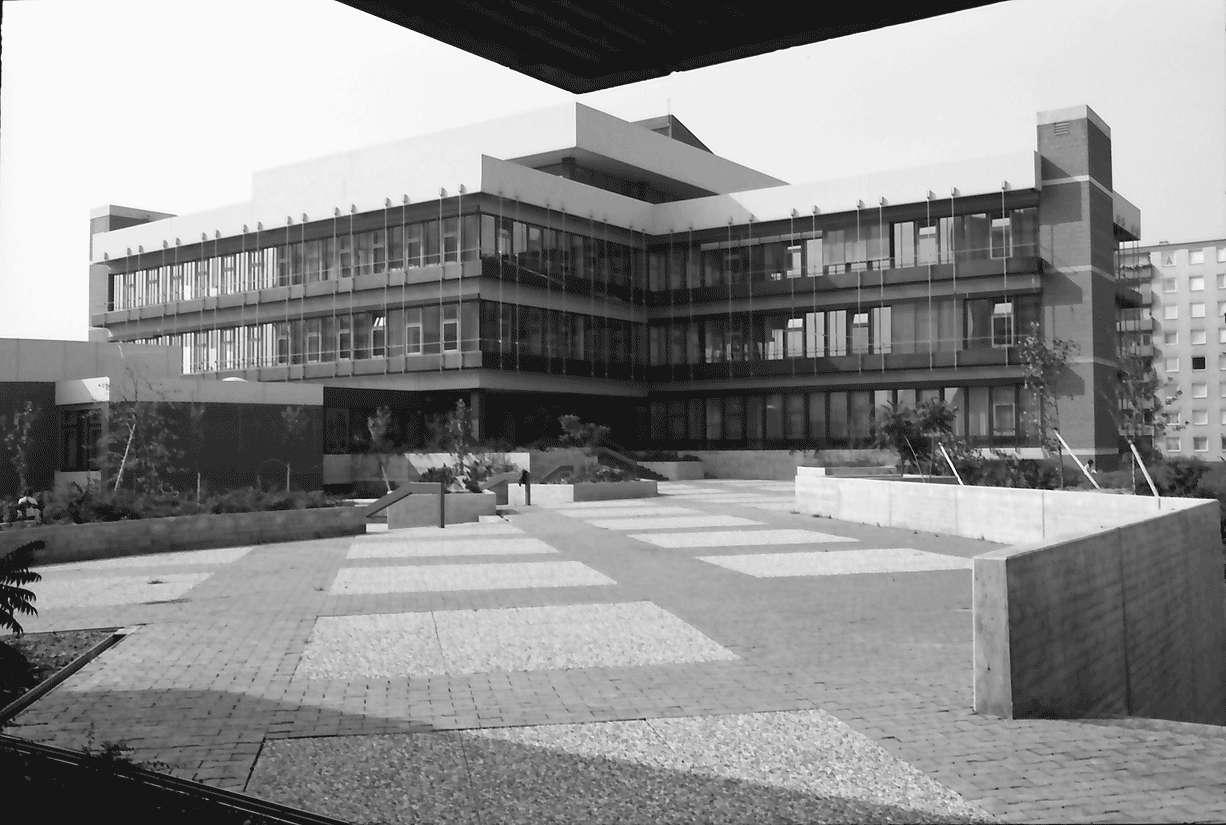 Freiburg; Weingarten: vor der Eröffnung; Sozialpädagogische Hochschule, Bild 1