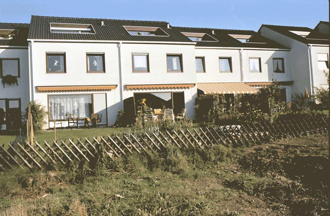 Mengen: Ruland & Kaffke GmbH und Co; Keltenstraße; Gesamtansicht; Vordergrund Feld, Bild 1