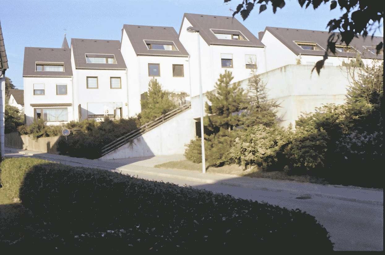 Mengen: Ruland & Kaffke GmbH und Co; Mehrfamilienblocks; Schulstraße; Straßenansicht gestaffelt, Bild 1