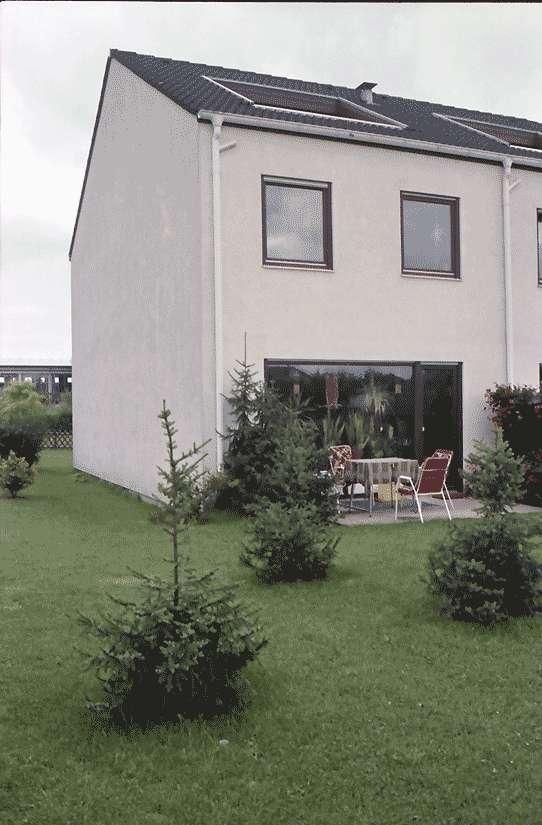 Mengen: Ruland & Kaffke GmbH und Co; Mehrfamilieneckhaus mit großem Gartenfenster, Bild 1