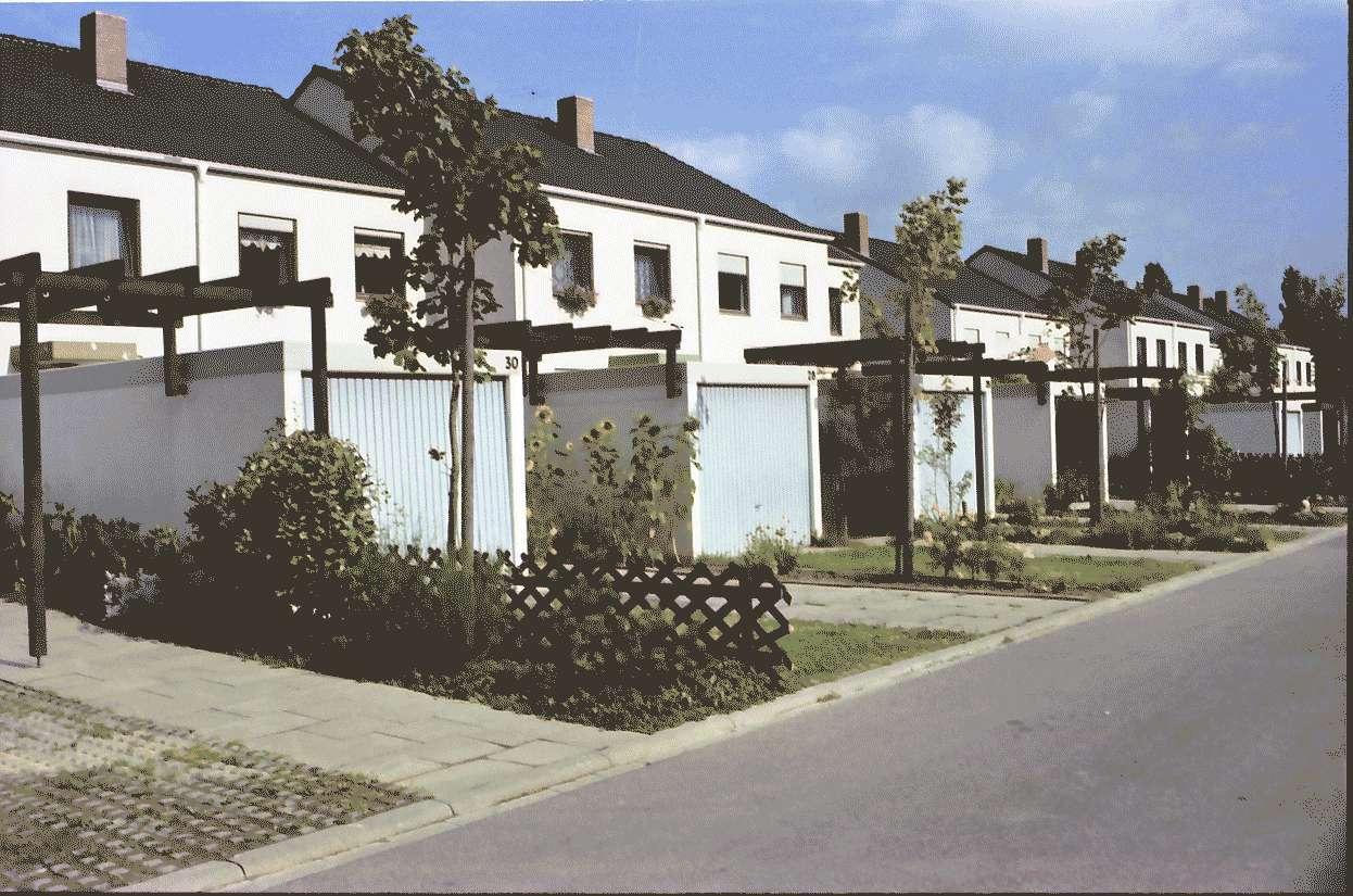Mengen: Ruland & Kaffke GmbH und Co; Keltenstraße; Garagenseite, Bild 1