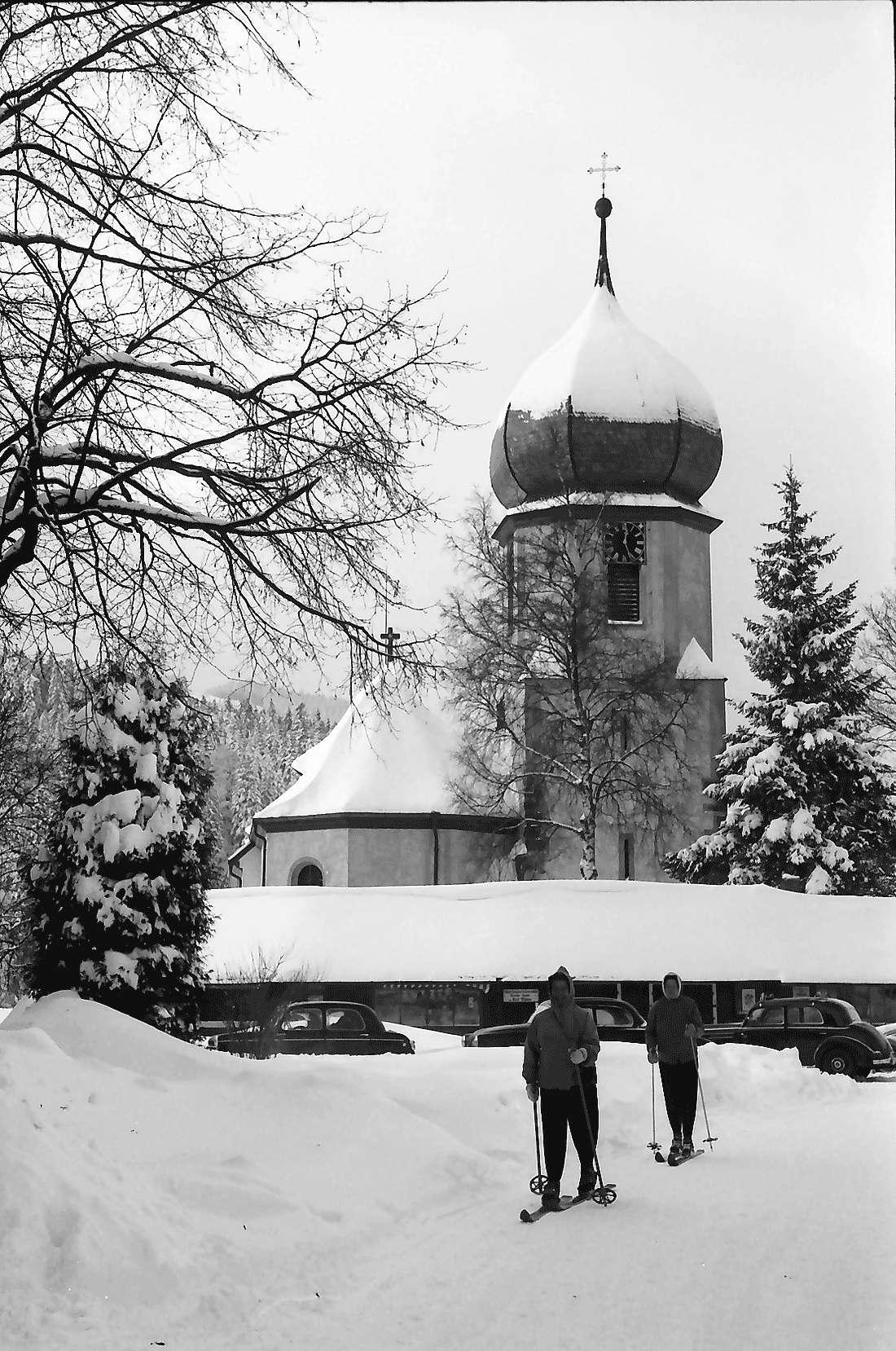Hinterzarten: Kirche im Schnee, Bild 1