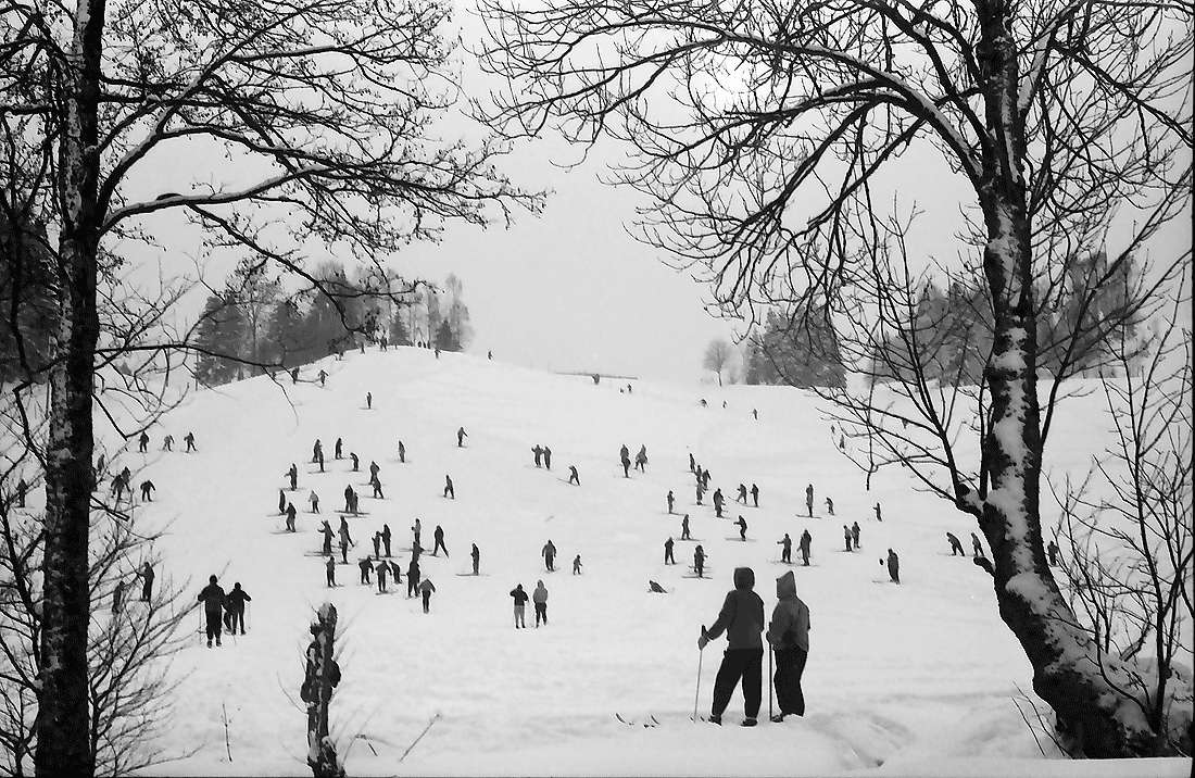 Hinterzarten: Käsleberg mit Skifahrern, Bild 2