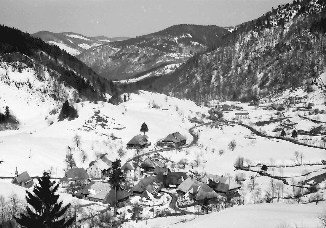 Präg: Prägbachtal mit der Ortschaft Präg, Bild 1
