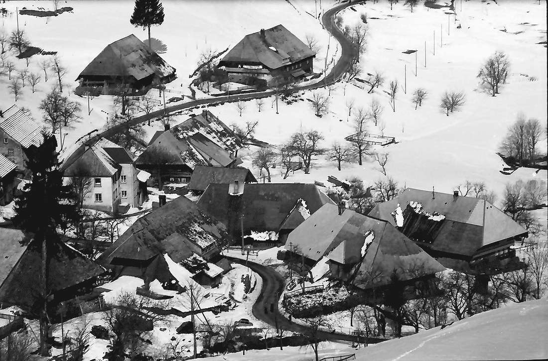 Präg: Prägbachtal mit der Ortschaft Präg; Ausschnitt des Ortes, Bild 2