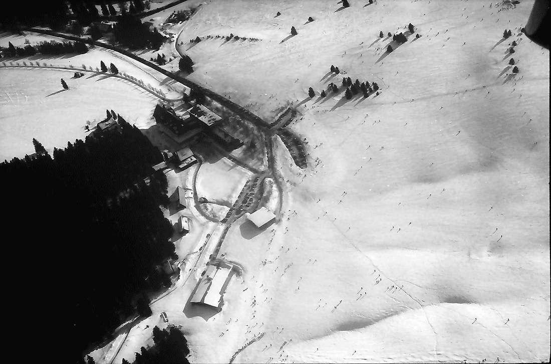 Feldberg - Bärental: Feldberger Hof von Norden und Osten; von oben, Bild 1