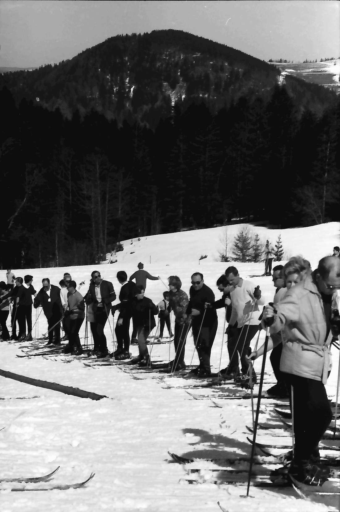 Oberried: Stollenbacher Hütte; Betrieb am Skilift, Bild 1