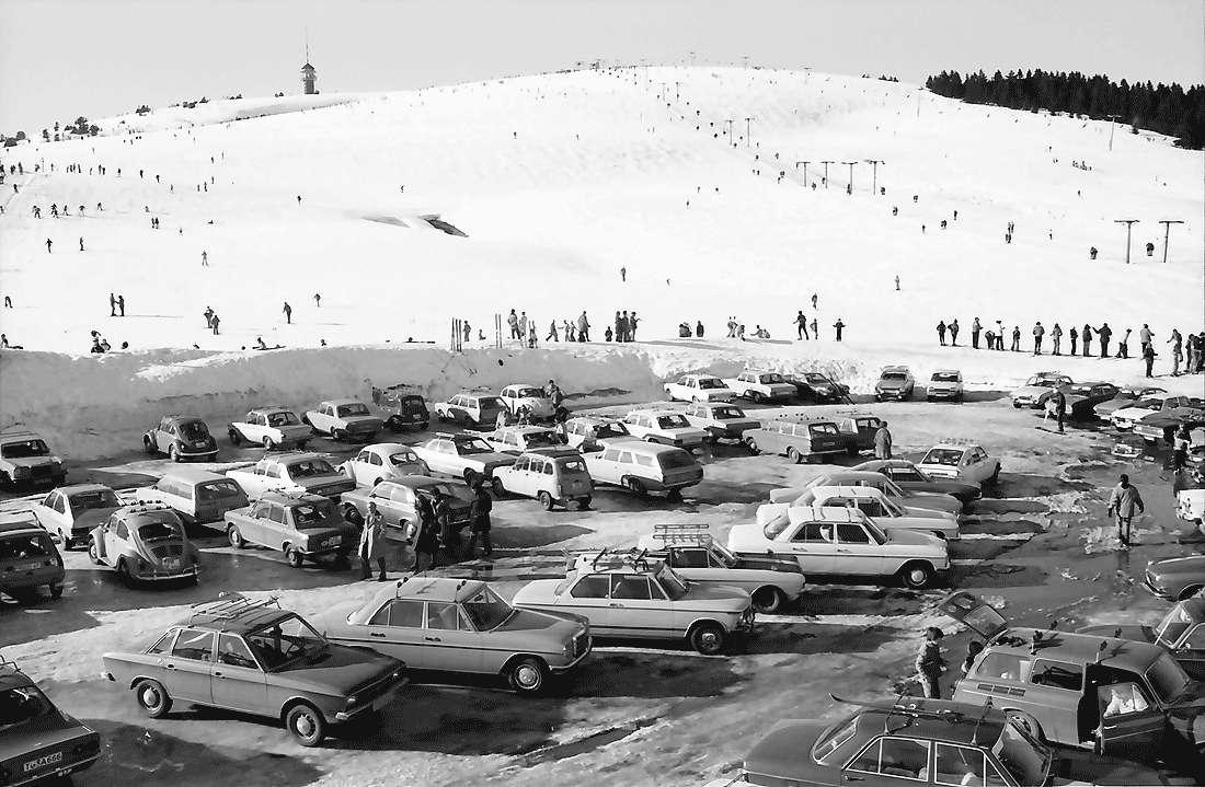 Feldberg: Parkplatz mit Feldberg, Bild 1
