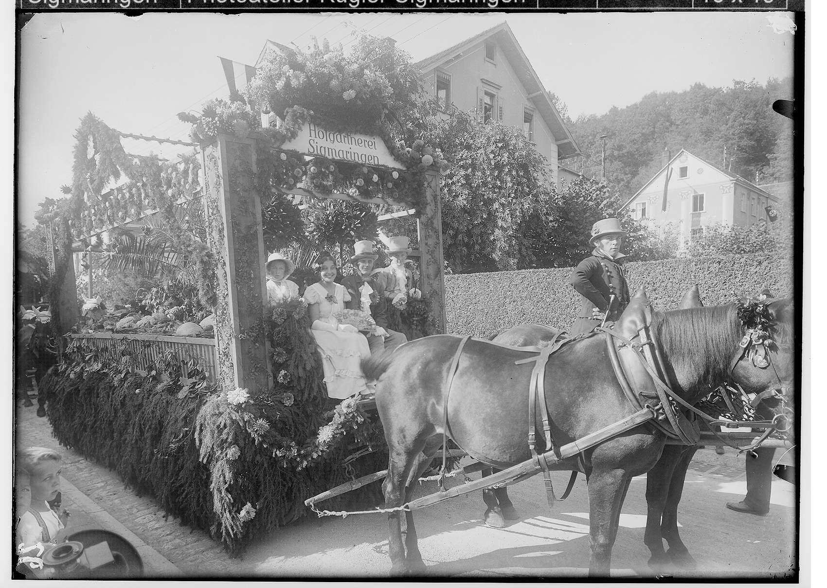 Erntedankfest in Sigmaringen 1933; Wagen der Hofgärtnerei Sigmaringen in der Leopoldstraße, Bild 1