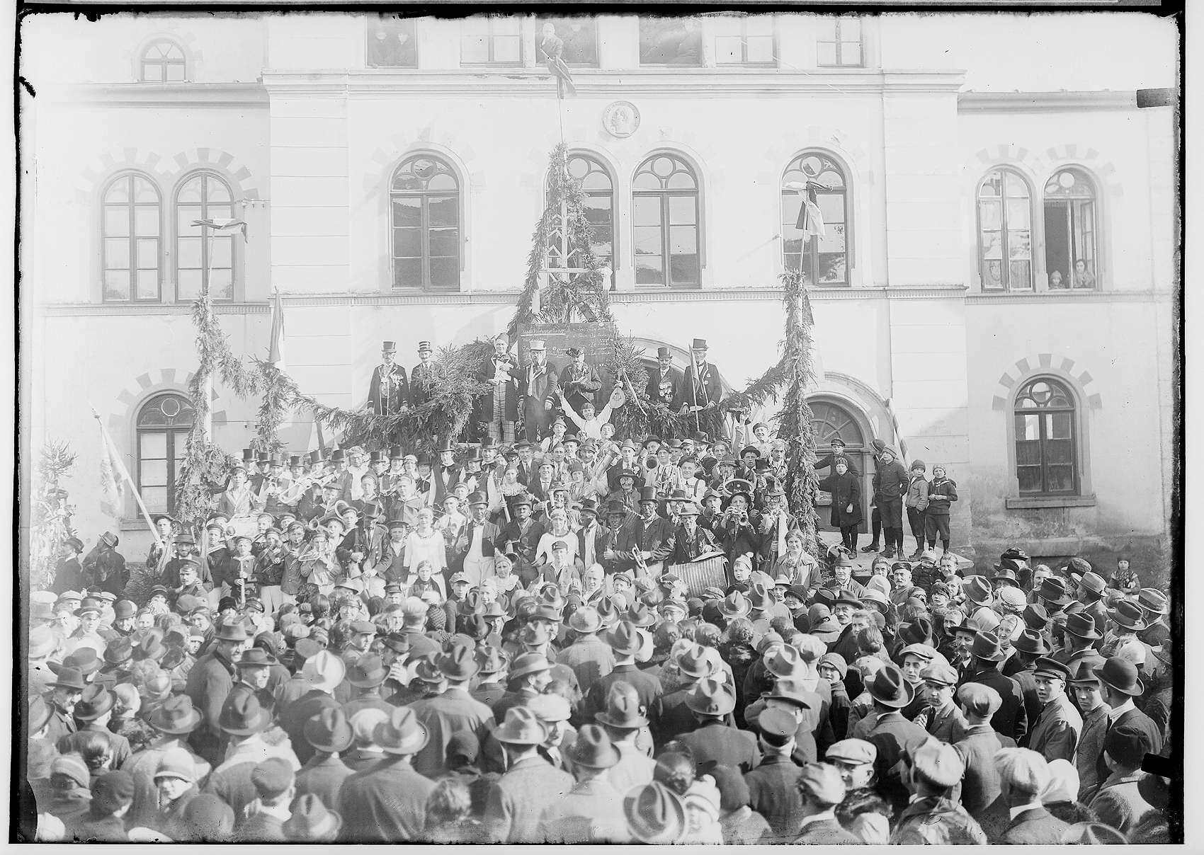 Fasnacht Krauchenwies 1928; Bräuteln, Bild 1